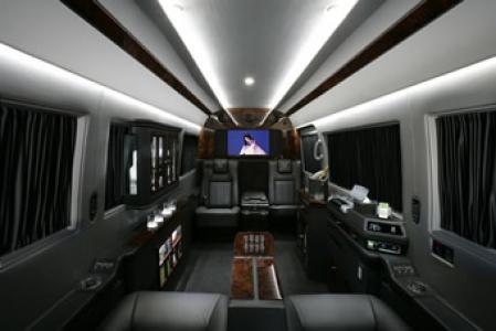 Our fleet limo service chicago for Mercedes benz sprinter rental chicago